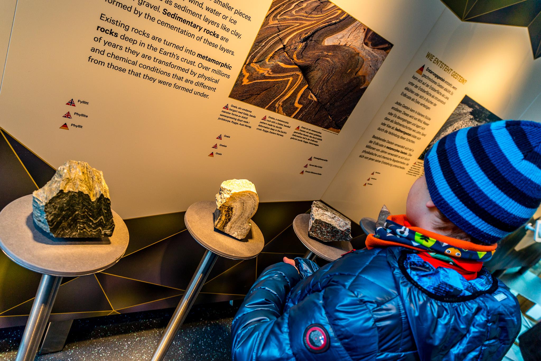 Norsk Natursenter - Bergartar og mineralar